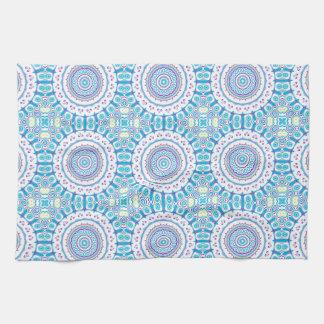 Diseño púrpura, azul y verde de las flores del toallas