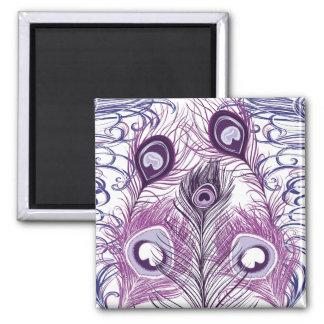 Diseño púrpura bonito elegante de las plumas del p iman