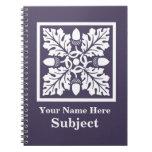 Diseño púrpura de la teja de la bellota y de la ho libro de apuntes