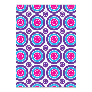 """Diseño púrpura de los círculos concéntricos del invitación 5"""" x 7"""""""
