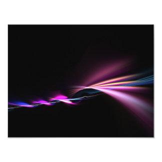 """diseño púrpura del fractal que brilla intensamente invitación 4.25"""" x 5.5"""""""