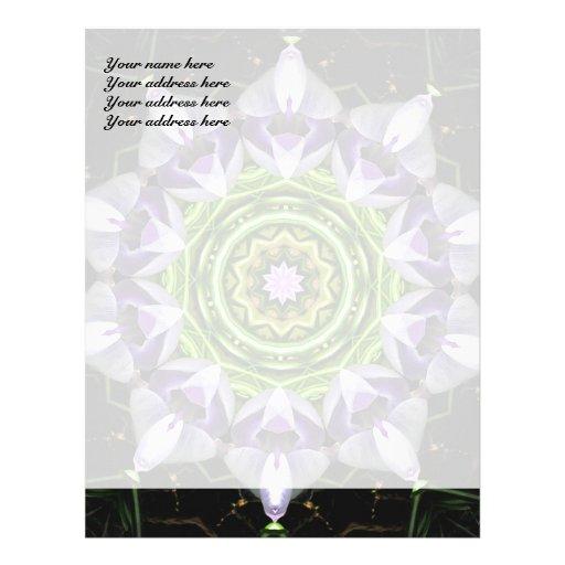 Diseño púrpura del papel con membrete de la flor membrete a diseño