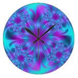Diseño púrpura y azul del fractal reloj de pared