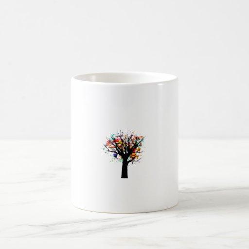 Diseño rameado del árbol de la acuarela taza básica blanca