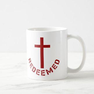 Diseño redimido cristiano de la Cruz Roja y del Taza