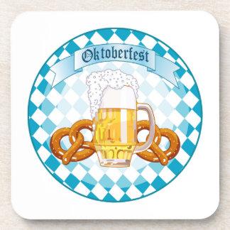 Diseño redondo de la celebración de Oktoberfest Posavasos