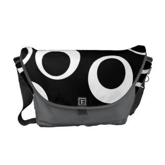 Diseño retro blanco y negro de moda bolsas de mensajería