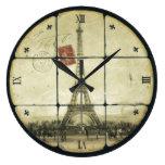 Diseño retro de la flor de lis de la torre Eiffel  Reloj