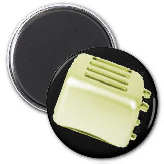 Diseño retro de la tostadora del vintage - amarill imán