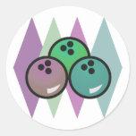 diseño retro de las bolas de bolos etiquetas redondas