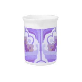 Diseño retro de los años 60 del vintage jarras para bebida