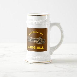 Diseño retro de Stein de la cerveza de la colina Jarra De Cerveza