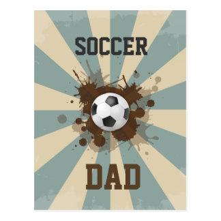 Diseño retro del papá del fútbol postal