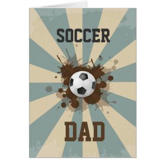 Diseño retro del papá del fútbol tarjeta de felicitación