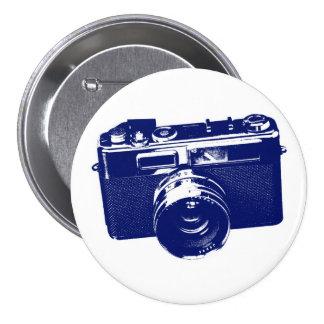 Diseño retro gráfico de la cámara en azul pin redondo de 3 pulgadas