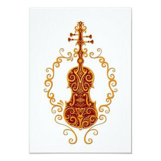 Diseño rojo de oro complejo del violín en blanco invitacion personal