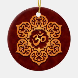 Diseño rojo de oro floral de Aum Adorno Para Reyes