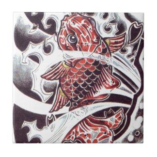 Diseño rojo del tatuaje de Koi Teja