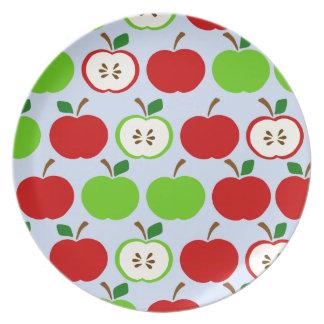 Diseño rojo verde del modelo de la manzana plato de cena