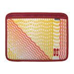 Diseño rojo y amarillo de las rayas del wavey fundas para macbook air