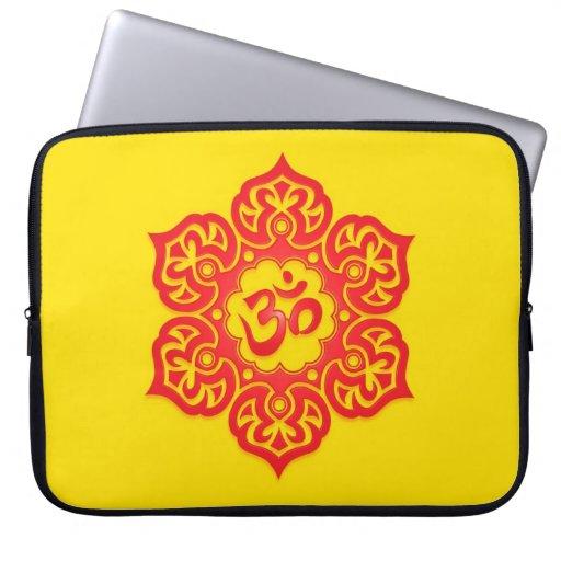 Diseño, rojo y amarillo florales de Aum Fundas Ordendadores