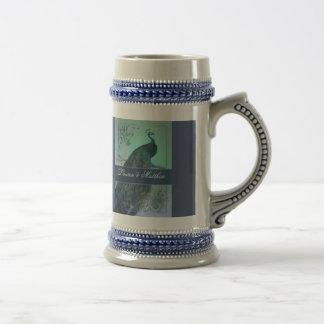 Diseño romántico del pavo real del vintage jarra de cerveza