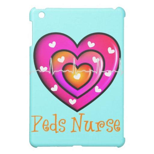 Diseño rosado artsy del corazón de la enfermera pe