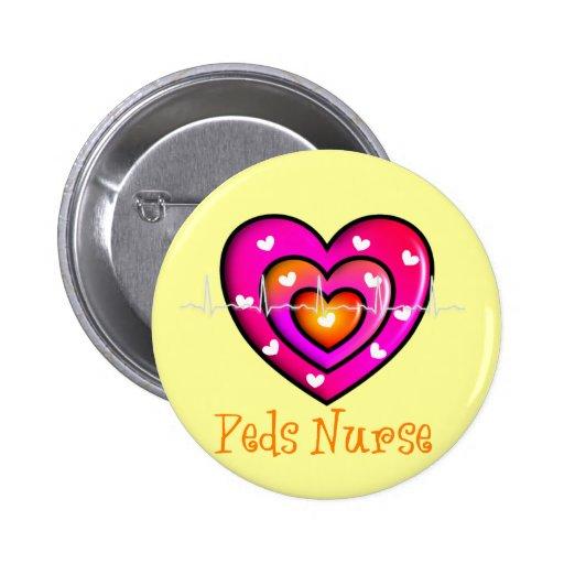 Diseño rosado artsy del corazón de la enfermera pe pin redondo 5 cm