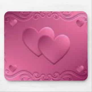 diseño rosado con 2 corazones alfombrillas de raton