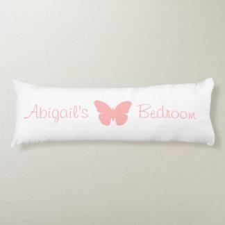 Diseño rosado de la silueta de la mariposa cojin cama