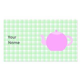 Diseño rosado de la tetera en control verde tarjetas de visita