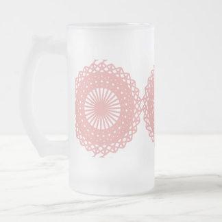 Diseño rosado del modelo del cordón tazas