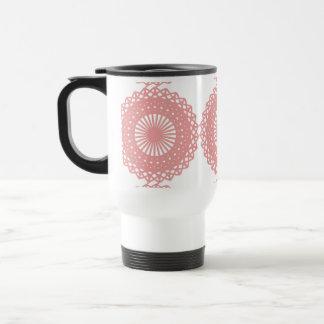 Diseño rosado del modelo del cordón tazas de café