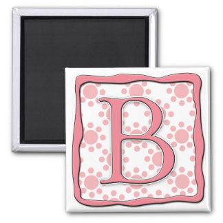 Diseño rosado del punto con el monograma B Imán Cuadrado