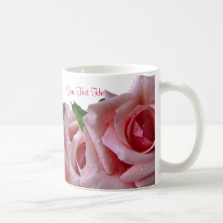 Diseño rosado hermoso del rosa taza de café