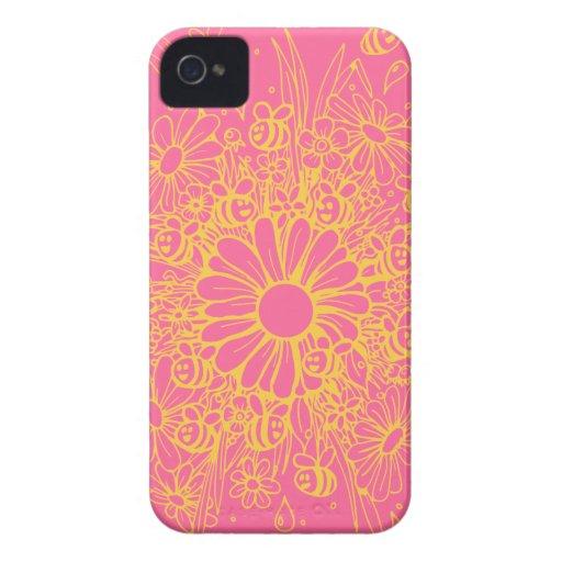 Diseño rosado lindo de las abejas y de las flores Case-Mate iPhone 4 protectores