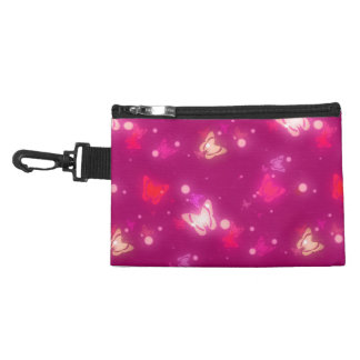 Diseño rosado magenta de las mariposas ligeras del