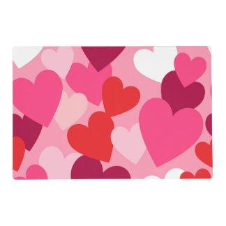 Diseño rosado, púrpura y blanco de los corazones salvamanteles