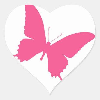 Diseño rosado simple de la mariposa pegatina en forma de corazón