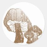 Diseño salvaje de las setas pegatinas redondas