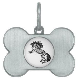 Diseño salvaje tribal del caballo del semental placas de mascota