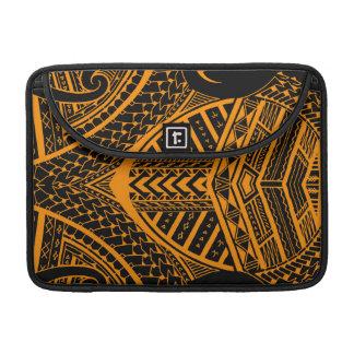 Diseño samoano tribal del tatuaje en simetría funda para macbooks