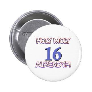 Diseño santo del cumpleaños de Moly 16 ya Pin Redondo De 2 Pulgadas