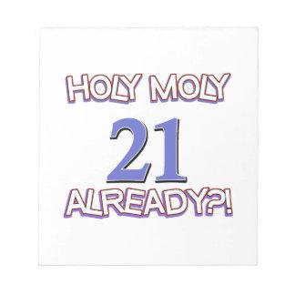 Diseño santo del cumpleaños de Moly 21 ya Libretas Para Notas