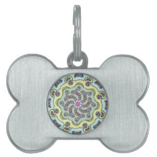 Diseño simétrico de la flor del rosa en colores placa de mascota
