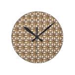Diseño sofisticado del vitral del oro relojes de pared