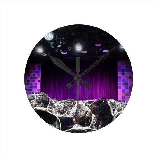 Diseño solarized etapa púrpura del teatro relojes