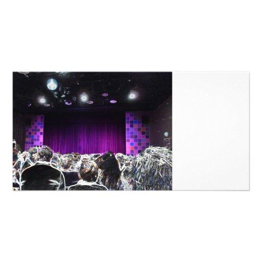 Diseño solarized etapa púrpura del teatro plantilla para tarjeta de foto