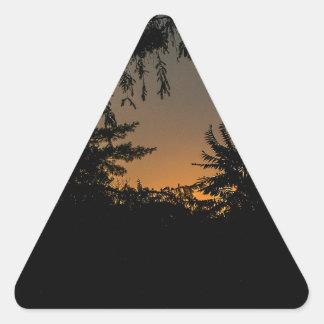 Diseño soñador de la puesta del sol pegatina triangular