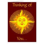 Diseño sonriente amarillo brillante de Sun Tarjeton
